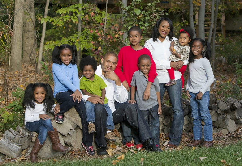 Charlotte Avery, her suband Roderick and their seven kids.